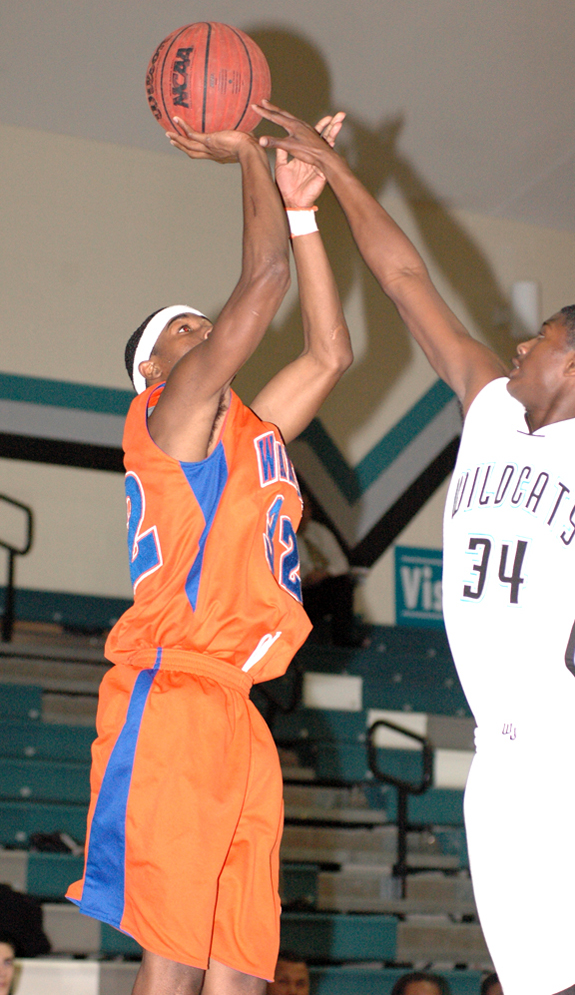 LHS claims third at hoops tourney