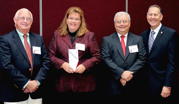 Mobley receives award