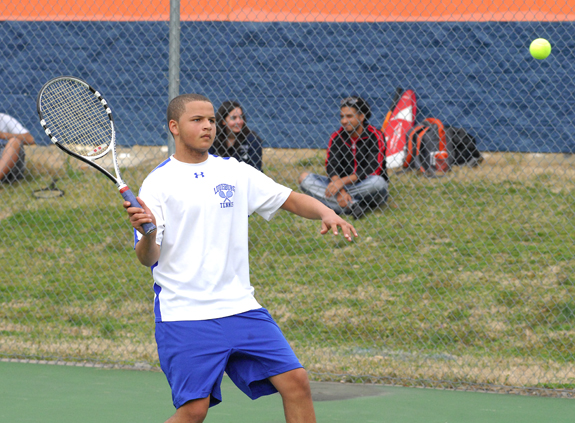 LHS Tennis Nets Victory