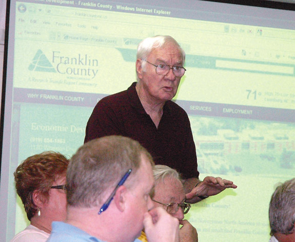 Commissioners seek help to redraw districts
