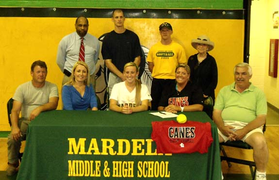 LC PICKS UP SOFTBALL SIGNEE