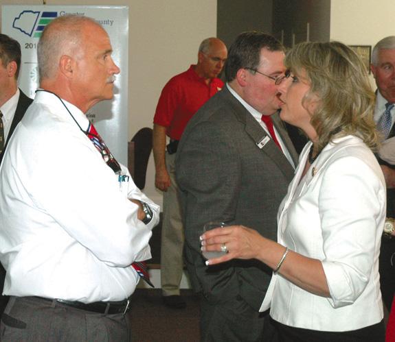 Ellmers talks economy during Franklinton visit