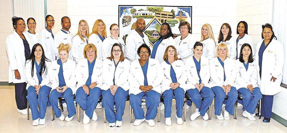 VGCC recognizes 21 Medical Assistant graduates at pinning