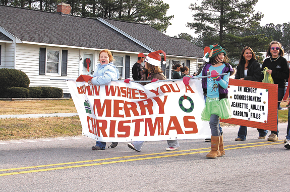 Christmas spirit is front and center at Bunn parade, pics 1