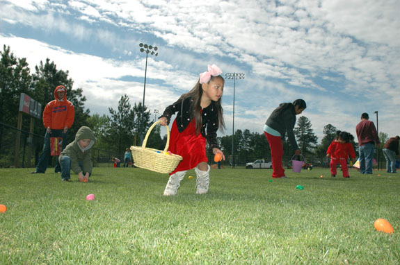 <i>Easter Bunny delivers eggs and fun to kids!</i>