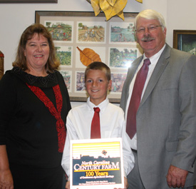 Leonard Family Farm receives Century award