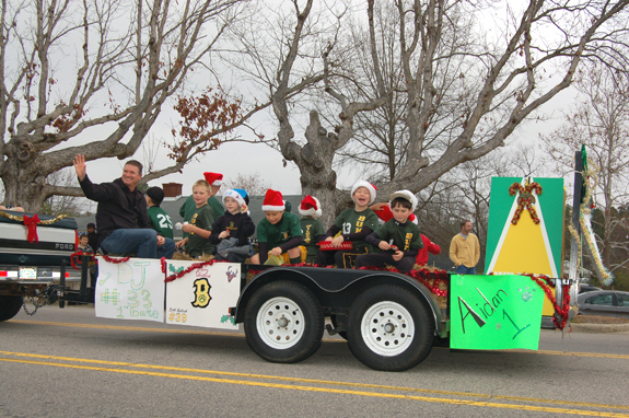 Bunn brings Christmas cheer with parade, pics 2