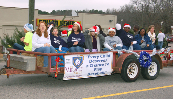 Bunn brings Christmas cheer with parade, pics 3