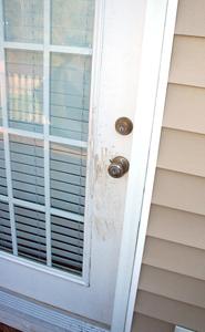 Alarm thwarts burglary