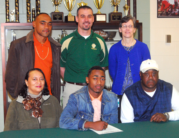 BUNN FOOTBALL SIGNEES, 2