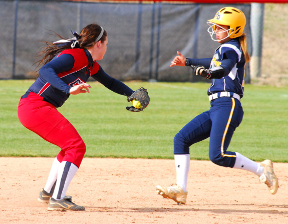 Louisburg stung by Lady Stingers