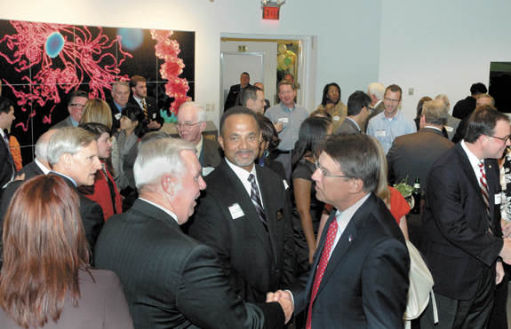 <i>Governor touts innovation, growth during county visit</i>