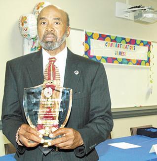 <i>Lifetime Service Award given to veteran officer</i>