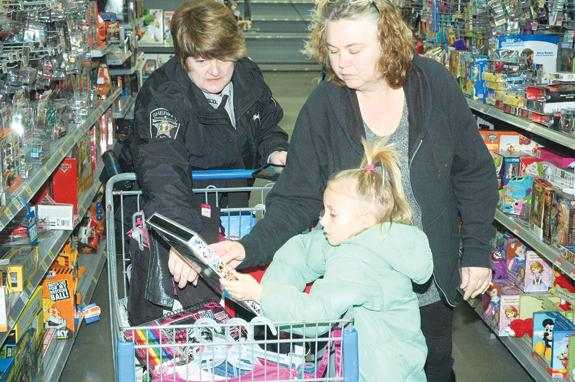 Law enforcement gives Santa a helping hand, 2