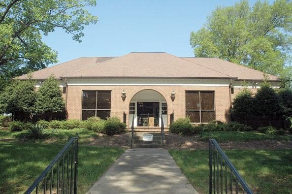 County to purchase 1st Citizens building for utility department