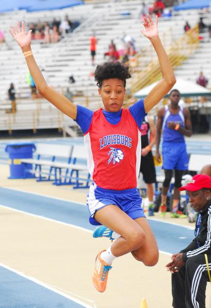 Wilshire sets state mark in triple jump