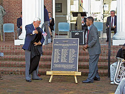 WWII plaque is unveiled at Veteran�s Day ceremony