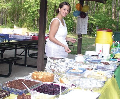 County employees serve up potluck picnic