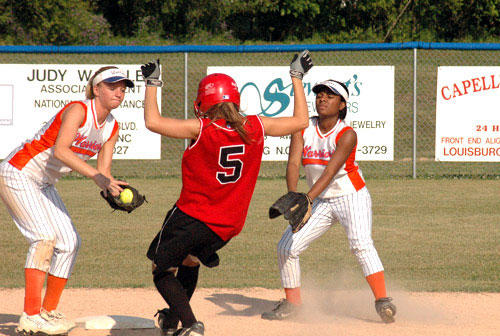 LHS softball team rallies to defeat Cape Hatteras