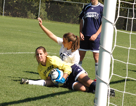 Lord Fairfax bows to Lady Hurricanes