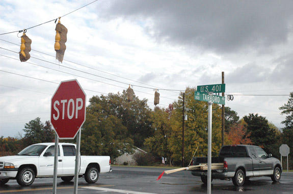 Light goes up at Tarboro/401 intersection