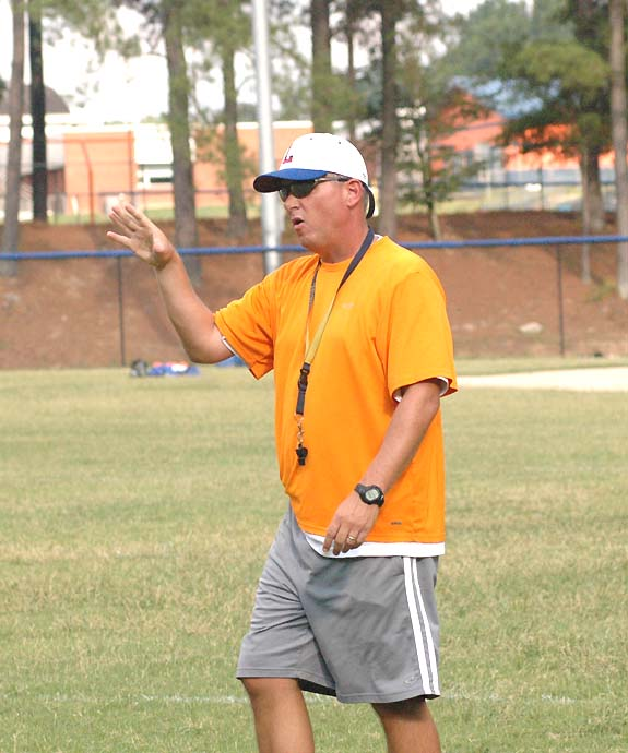 Lee, LHS claim first win of year