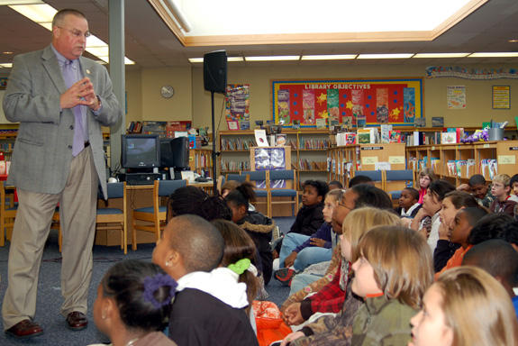 Sheriff stresses the importance of education to fifth graders