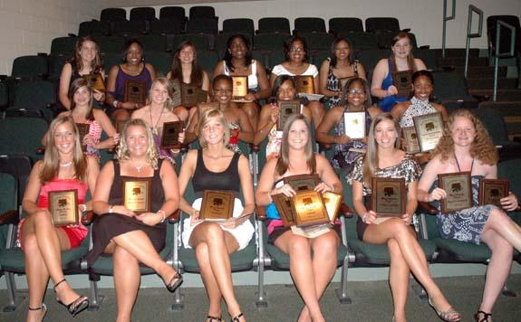 BHS GIRLS AWARD HONOREES