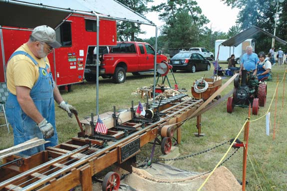 Snapshots of the 10th Annual Justice Antique Tractor, Car & Engine Show