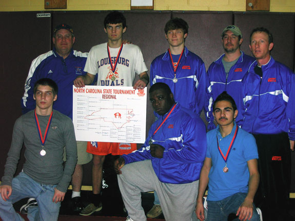 Wrestlers on way to states