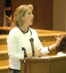 Ellmers navigates US 401 to speak at GOP event