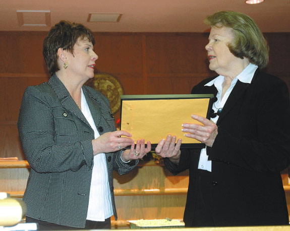 Perry retires from Clerk of Court office