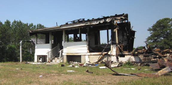 <i>Fire destroys historic Mount Olive school</i>