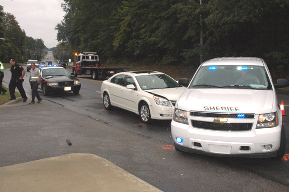 Minor wreck involves sheriff's vehicle