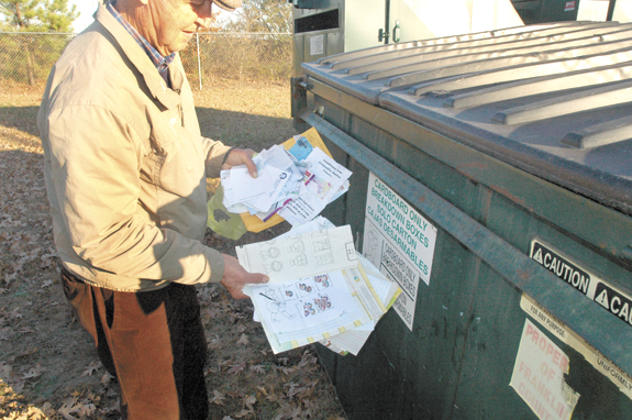 <i>Illegal dumping: Neither victimless nor difficult to trace</i>