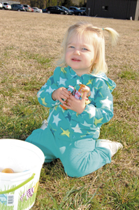 Kids scramble for eggs at annual Bunn event, pics 3
