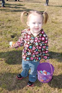 Kids scramble for eggs at annual Bunn event, pics 4