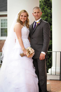 <i>Couple married in church rites</i>