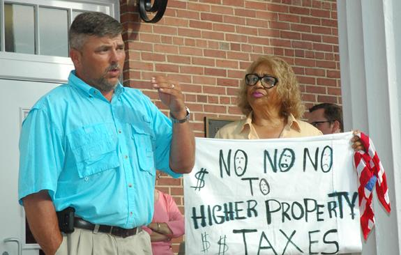 <i>Stop, cut and sell, residents suggest</i>