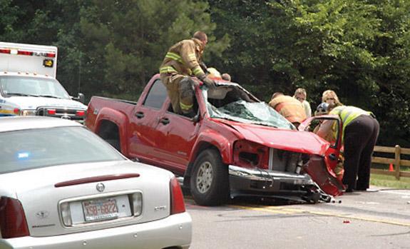 2 killed in 401 crash