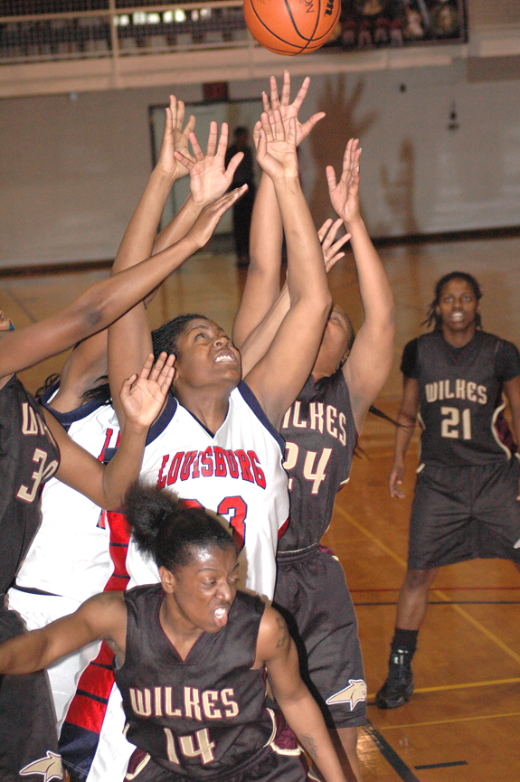 Wilkes defeats LC in blooming rivalry