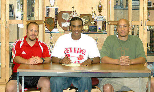 Alston to play hoops at Greensboro College