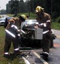 Three injured in 401 crash