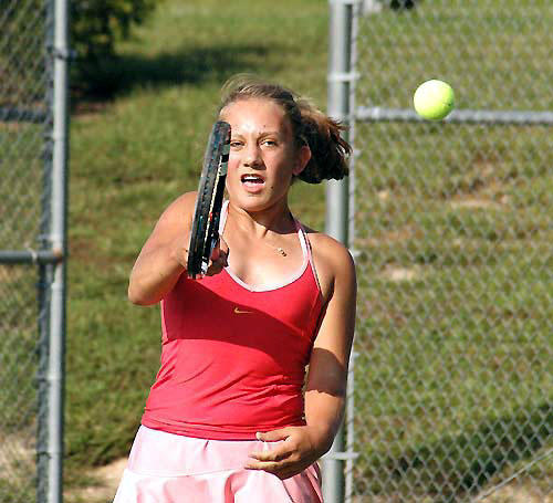 Louisburg, Bunn tangle in tennis contest