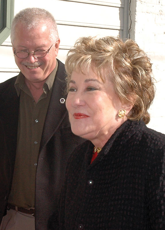 U.S. Sen. Elizabeth Dole meets with local leaders and business reps