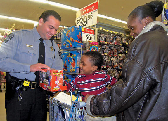 Deputies brighten holiday for 11 young shoppers