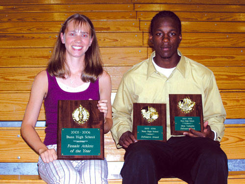 <FONT SIZE=6>Bunns�s Top Cats</FONT><br><FONT SIZE=4>Metzler, Heath saluted as Athletes of the Year</FONT>